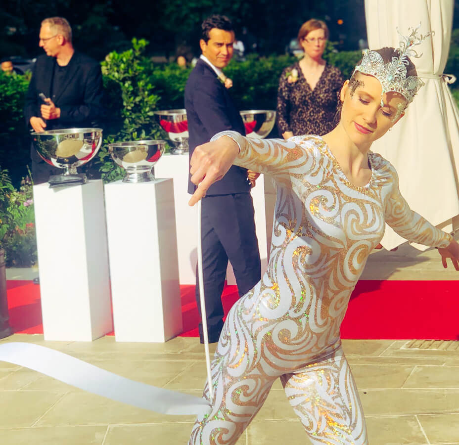 Ribbon Dancers Mandarin